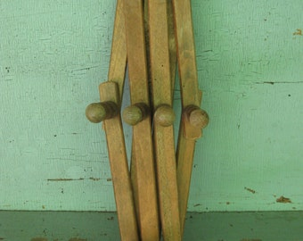 Vintage Wood Accordian 10 Peg Wall Hanger