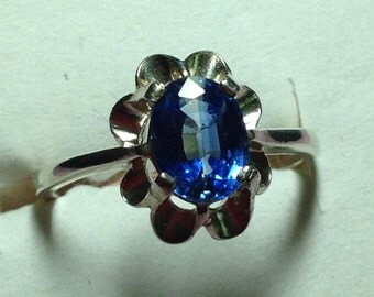 Nepalese Kyanite Sterling Silver ring in a size 7
