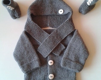 Jacket + slippers + hat-scarf(hat-sling,cap-scarf) for born babies in 12 woolen hand-knitted months intoxicates(tints)
