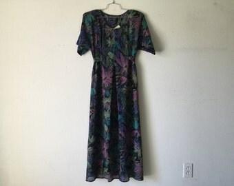 Vintage Dress - Floral Print Long Maxi Short Sleeve Tied at the Back