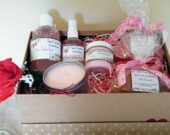 Aromatherapy / Valentine Gift Basket / Bath & Body Gift Basket / Gift Sets / Gift Baskets / Spa Baskets