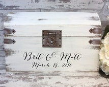 Boho Wedding Card Box Engraved With Bride And Groom's Name And Wedding Date - Card Box - Personalized Wedding Decor