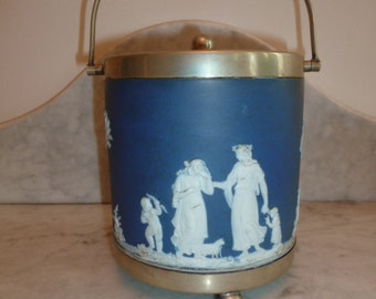 Antique Wedgwood blue and white porcelain biscuit jar neoclassical scenes circa 1910