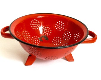 Vintage siev red enamel colander strainer standing Antique 1930s kitchenalia shabby country cottage chic