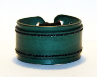 Green Leather Cuff Bracelet! Nice Gift For Women! Nice Gift For Men! Great Handmade Leather Bracelet! Handmade Leather Accessories!