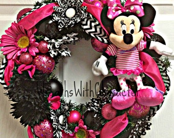 Disney Inspired Pink, Black & White Minnie Mouse Decorative Party Wreath