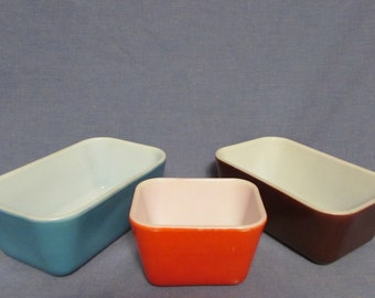 Pyrex Fridge Containers, Set of Three, No Lids, Blue, Brown, Red, 1950's through 1970's