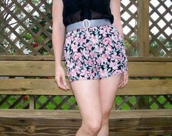 Vintage High Waisted Flower Shorts with Pockets