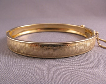 Vintage 1960s Gold Plated Hinged Bangle Bracelet With Safety Chain
