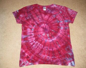 tie dye v-neck spiral shirt XL