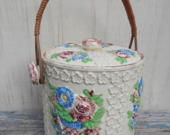 Lovely Vintage Cottage Chic Biscuit Jar!