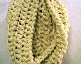 Handknit Cream Wool BULKY INFINITY SCARF
