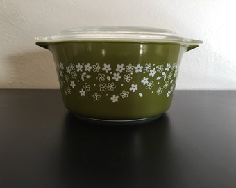 Vintage Pyrex Spring Blossom Style 2 Deep Green Casserole with Lid, Pyrex Glass Storage Container, 473-B