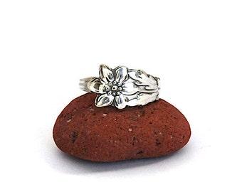 daisy ring, flower ring, floral ring,  spoon ring, gardener ring, florist ring