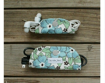 MTO Ear buds & charger holders - Flowers blue