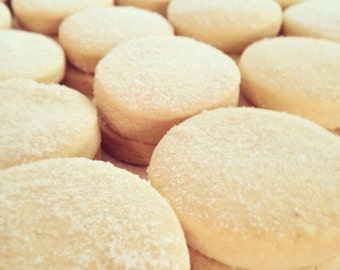 12 Creamy Shortbread Cookies / Cookie / Rum / Rasain / Coconut / Chocolate / Tea
