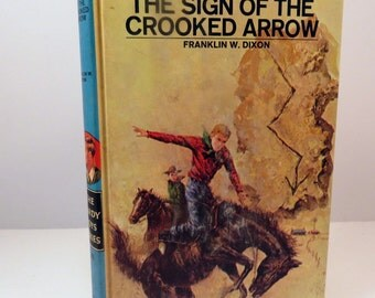 Vintage Hardy Boys Mystery Series 28 - The Sign of the Crooked Arrow by Franklin W. Dixon