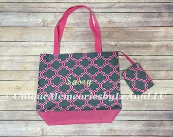 Personalized Monogram Quatrefoil Beach Bag/Tote - 10 Different colors - Brides, Graduations, Birthdays, Travel, gifts