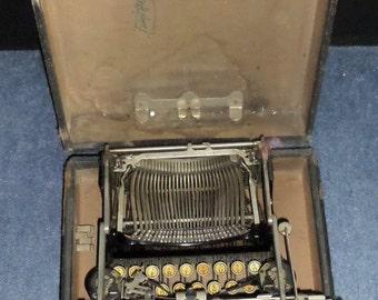 Antique Typewriter  c1917 Corona 3  folding typewriter in original case