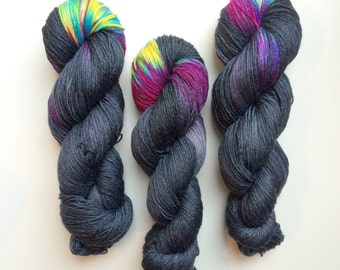 Hand dyed Nebula sock yarn 4ply finger weight superwash BFL and bamboo 100g. BFL is a British breed.
