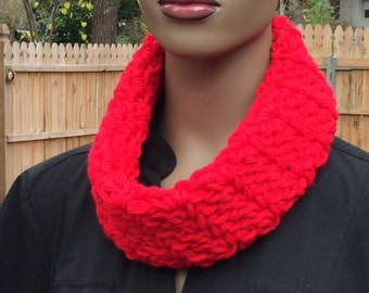 Red cowl/ crochet cowl/chunky circle scarf/soft neckwarmer/winter circle scarf/gift/women accessories