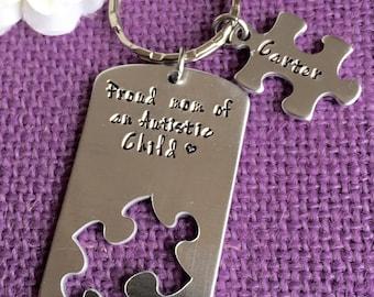 Autism Awareness Keychain - Jewelry - Autistic Mom Keychain - Proud mom lf an autistic child - Keychain - puzzle keychain
