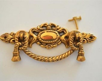 A Regency style brass rope swag drawer handle 2020