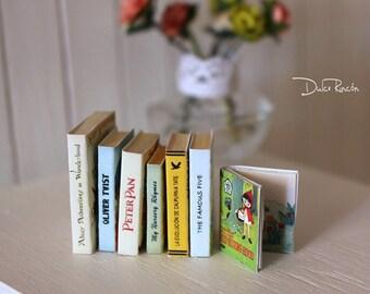 Libros vintage en miniatura