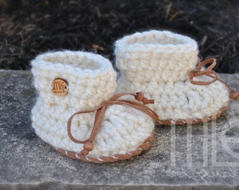 White Nonslip Baby Booties, Crochet Baby Booties, Knit Mocassin, Slipper Boots, Leather Soles, Knit slipper boots, Gender Neutral Booties