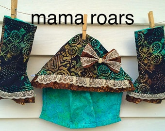 Custom made abalone Tula curved drool pads! Batik fabrics. Ruffles and lace available! Curved drool pads, fully lined and reversible!