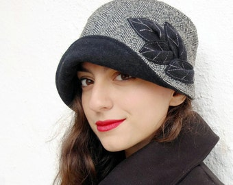 Black and white hat,1920s Hat,Cloche tweed herringbone hat,Hat with large brim,Bucket hat