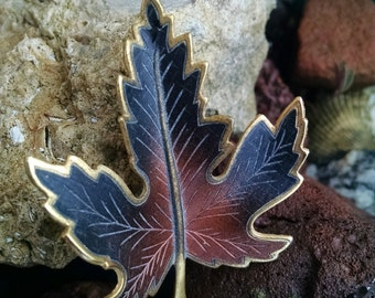 Autumn Leaf Brooch..perfect for Fall Wear..Goldtone..Vintage 1970s