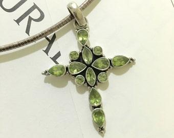 SN21 925 Sterling silver Peridot cross pendant necklace.