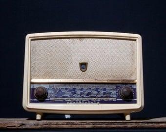 Bluetooth - 1958 - Vintage radio - A.BSOLUMENT - KM004