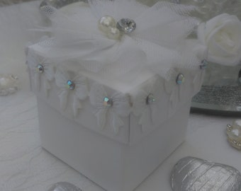 Personalised   White wedding favour box chocolate filled and ready assembled
