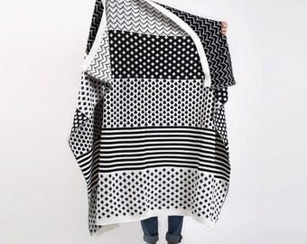 Knitted Wool Blanket Black & White