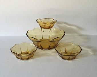 Anchor Hocking Swedish Modern Honey Gold Chip & Dip Set   N1000/78   Plus Two Extra Dip Bowls