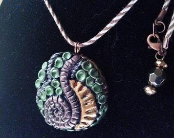 Entangled custom pendant