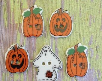Five ceramic Halloween buttons   pumpkins   jack-o-lanterns   ghost   sewing projects   Halloween crafts   kids outfits   costumes