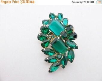 ON SALE Vintage Emerald Green Rhinestone Brooch AA597
