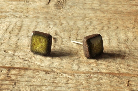 MINI glossy khaki square stoneware stud earrings