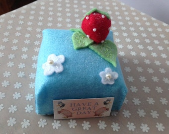Strawberry Fondant Fancy