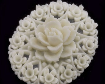Vintage molded plastic cabochon or pendant in rose and floral design 40x30mm 1 pc. b5-761(e)