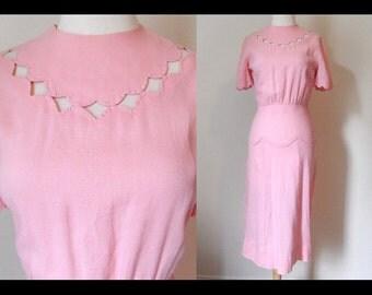 Light pink scallop details 1940s cotton dress