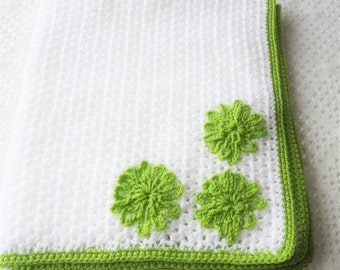 beautiful baby blanket green and white so soft warm just in time for winter :)