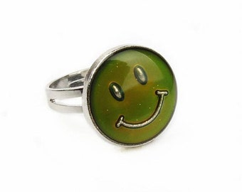 Smiley Face 90s Mood Ring