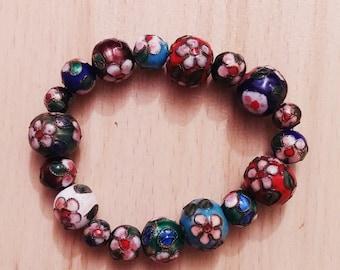 Vintage style floral bracelet