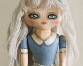 Alice, a Cloth Doll Escaped from Wonderland