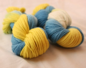Hand Dyed Worsted Weight Peruvian Highland Wool Yarn -  Bright Blue, Yellow, and White
