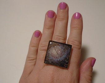 o my gosh is this a galaxy on your finger ring